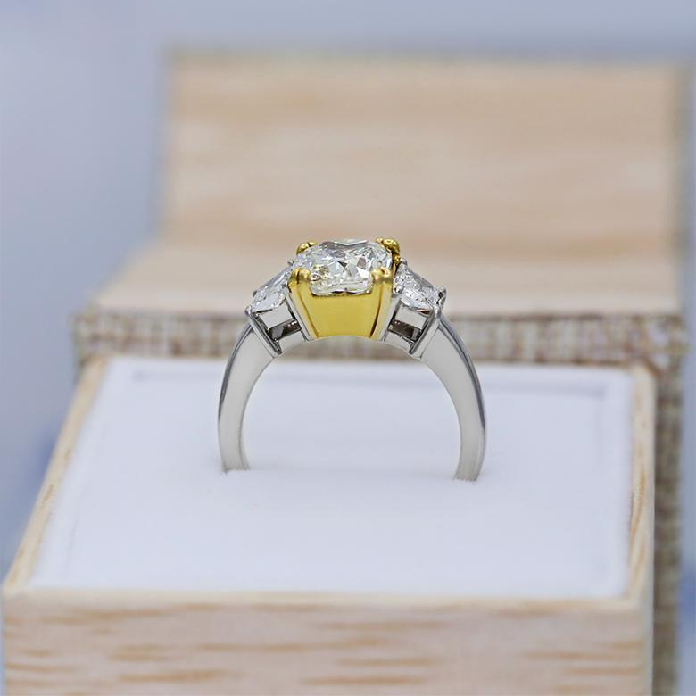 Platinum Engagement ring with