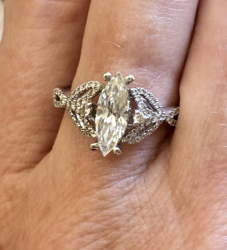 Diamond Marquise Ring 14k