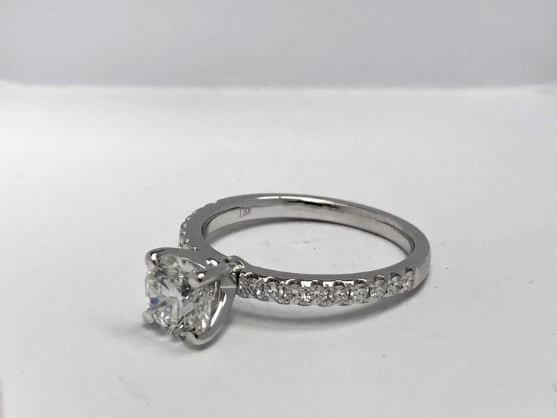 BEAUTIFUL, IDEAL ENGAGEMENT RING