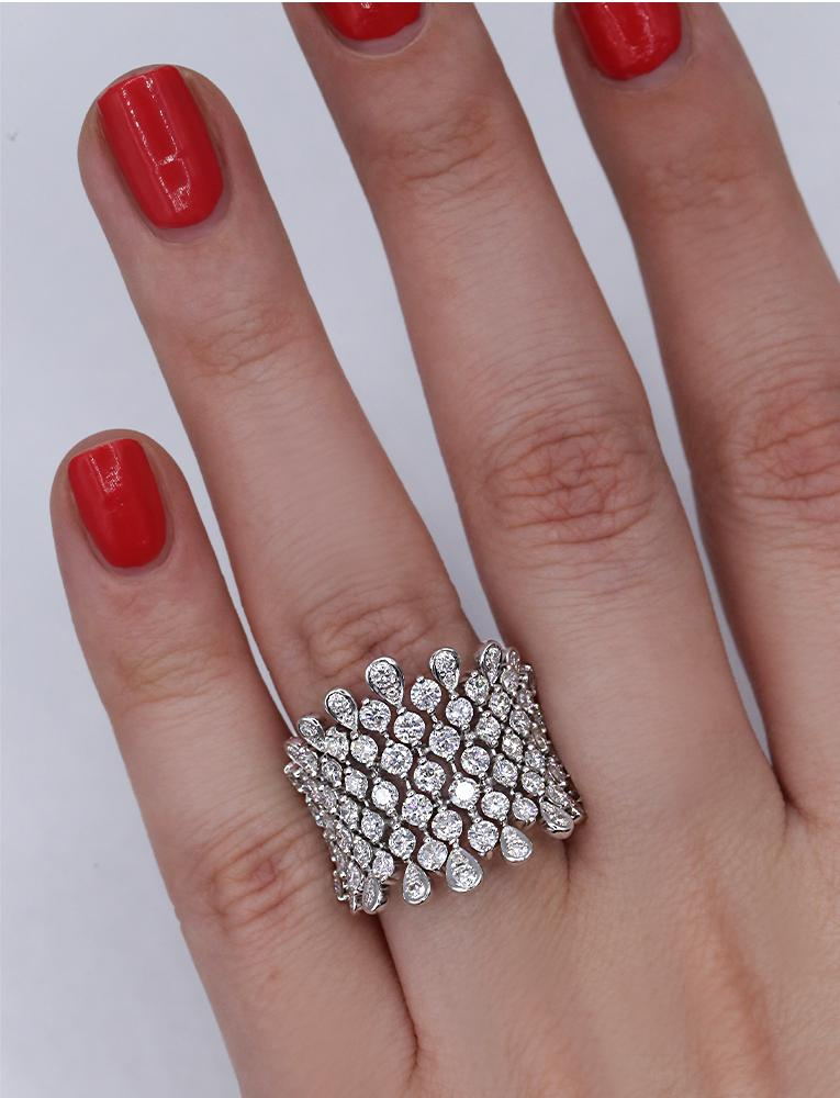 Gorgeous 18k White Gold