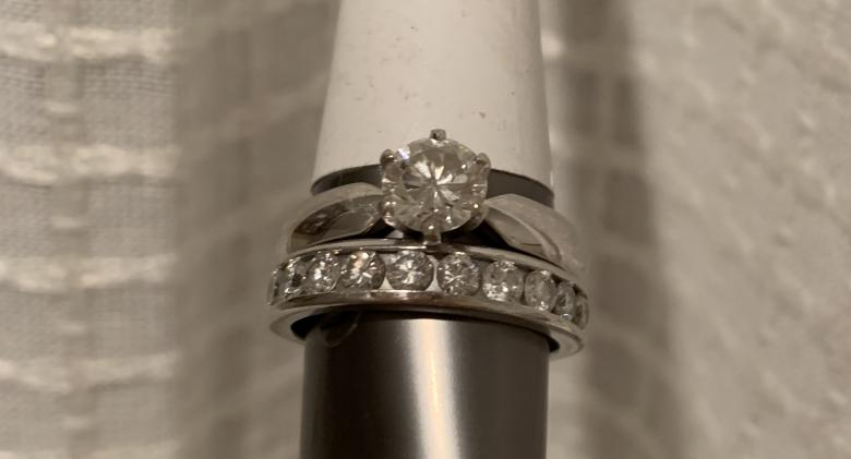 Round Brilliant Diamond Engagement