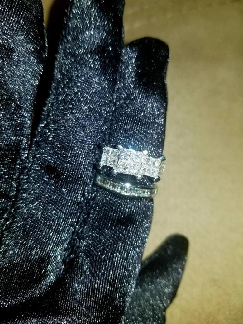 Beautiful 2.58 ct. Invisible