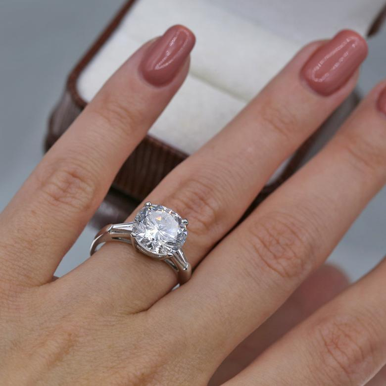 Exclusive Platinum Engagement Ring