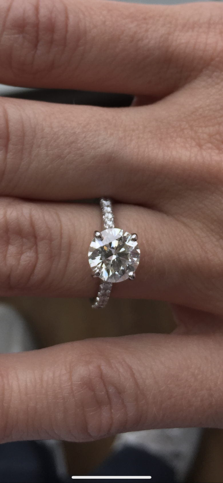 Gorgeous Engagement Ring 2+