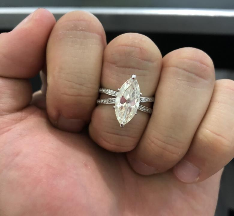 Marquise 2.98cts K/SI1Diamond Ring