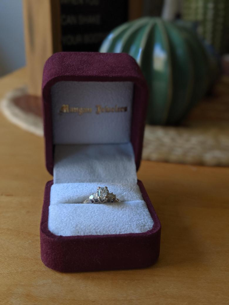 Helzberg Beautiful Understated Vintage