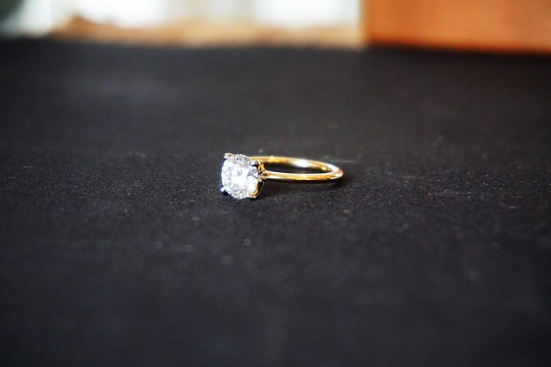1.50 carat/VVS1/E/Ideal Cut. 18k