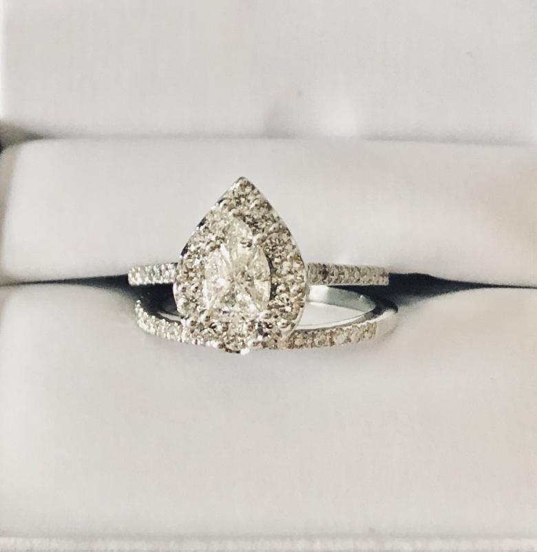 Helzberg Pear Shape Engagement