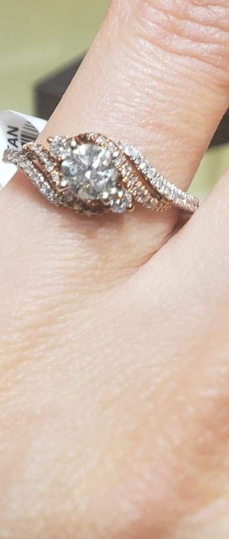 Engagement ring never been