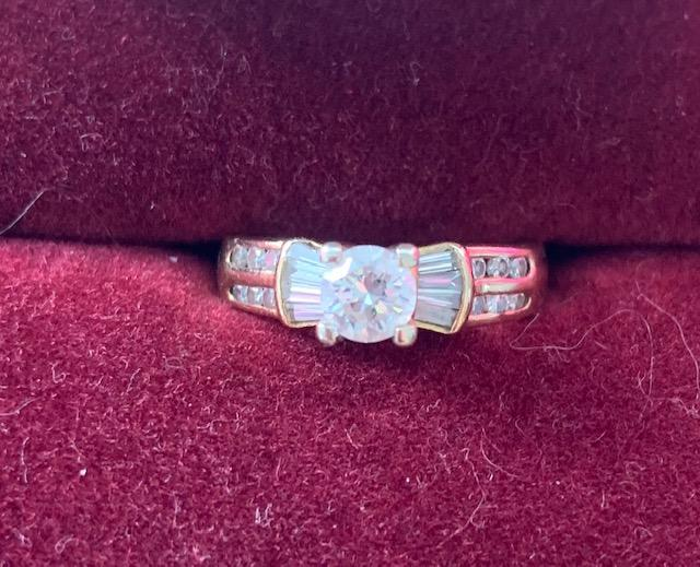 Beautiful Coctail/Engagement Ring .74ct
