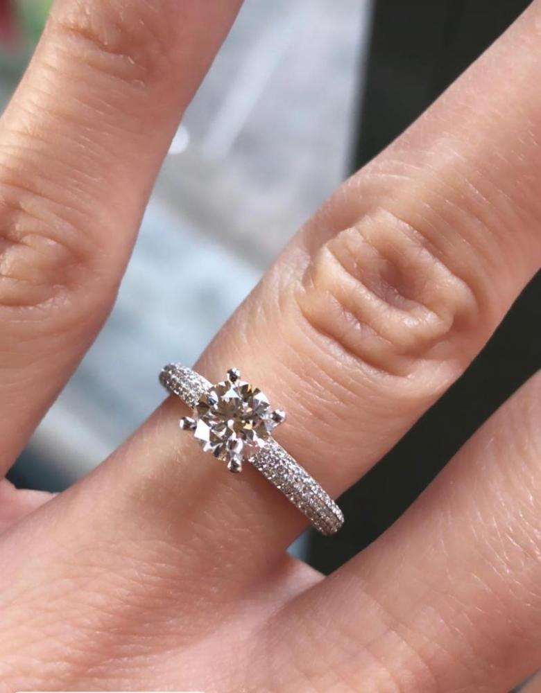 Engagement platinum ring with