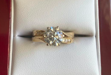 GIA Certified 2.09ct Round