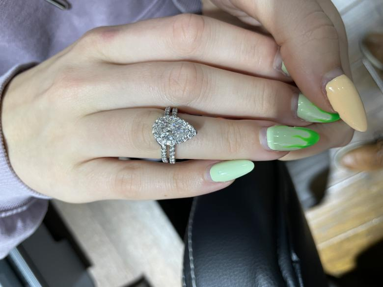 GIA certified Engagement Rings