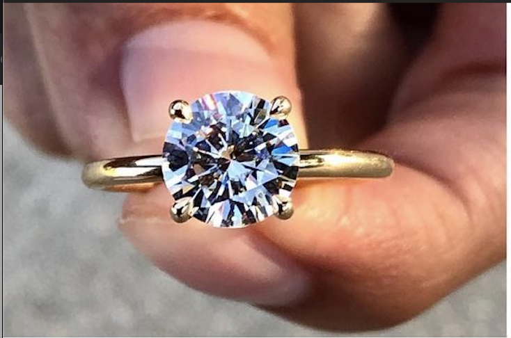 2 CT CERTIFIED Moissanite