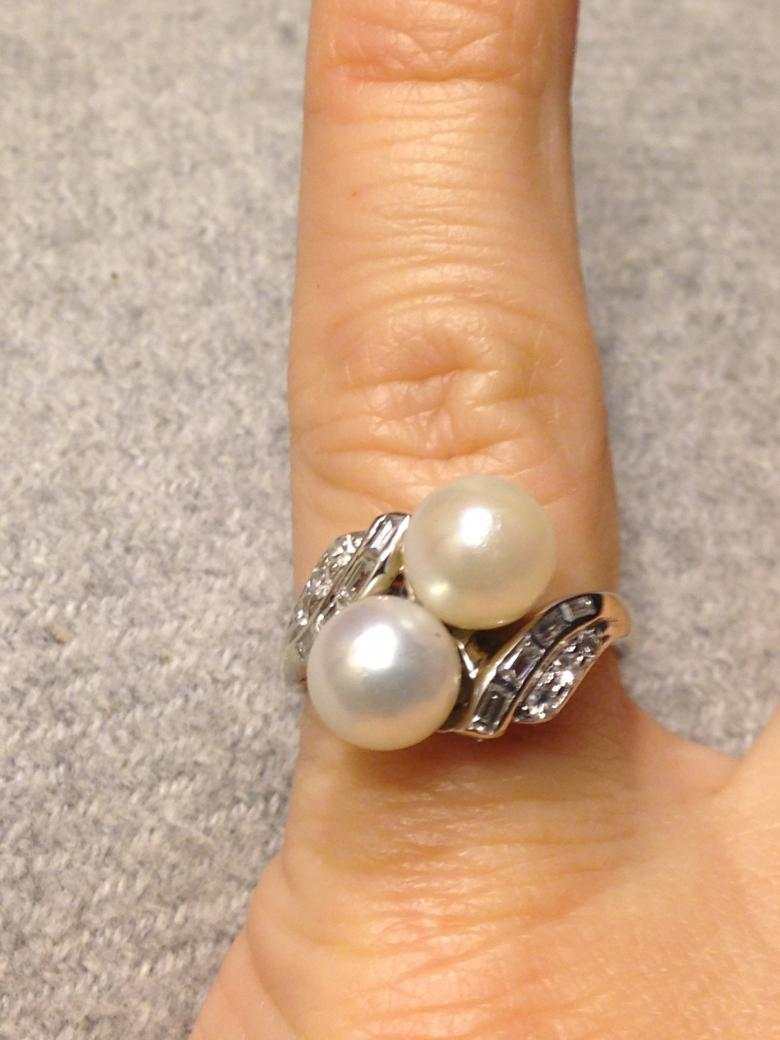 Unique Vintage Pearl and