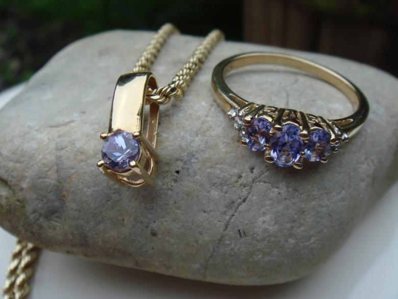 14k Tanzanite necklace and