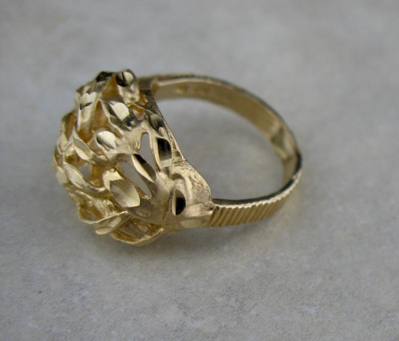 Artisan 18K Gold Twisted