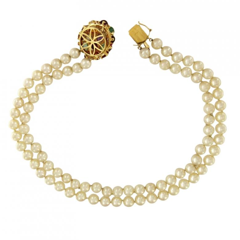 Vintage Pearl Necklace with