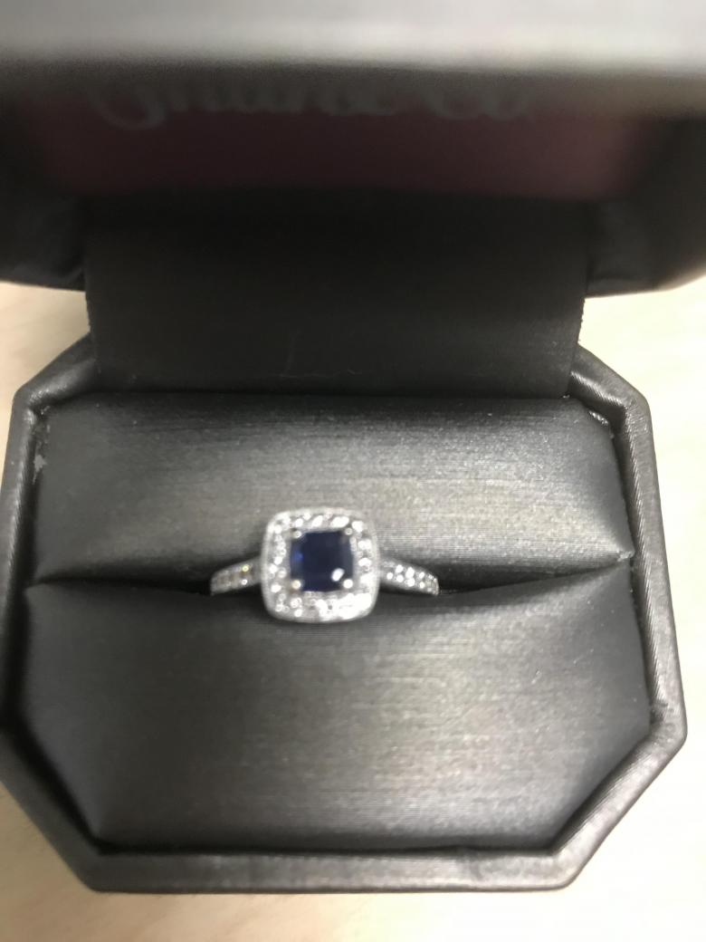 Sapphire ring in 14K