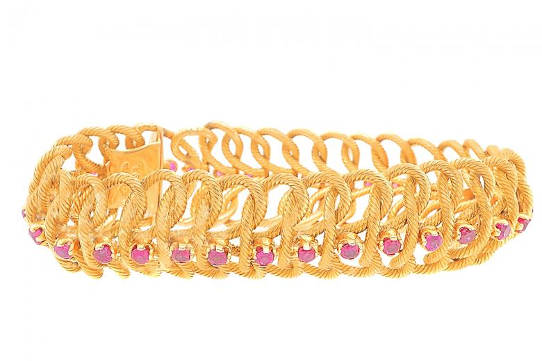 18K Yellow Gold Ruby