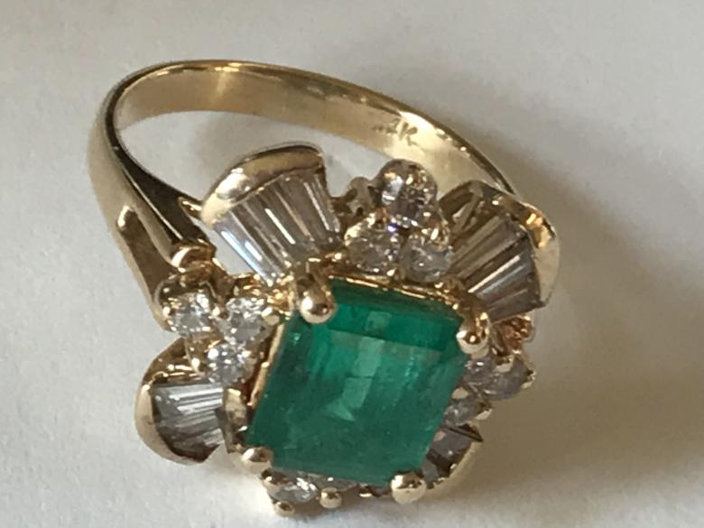 Emerald Ring with Tapered