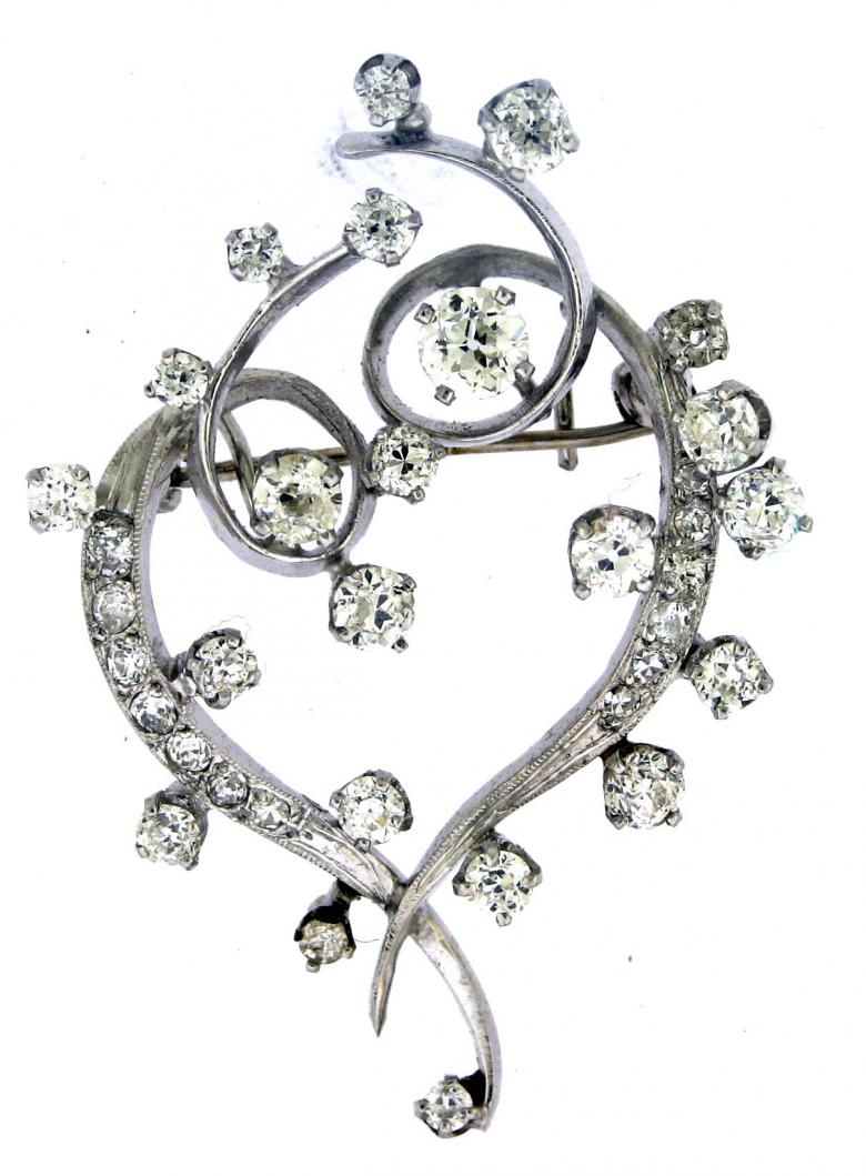 Beautiful, platinum diamond brooch