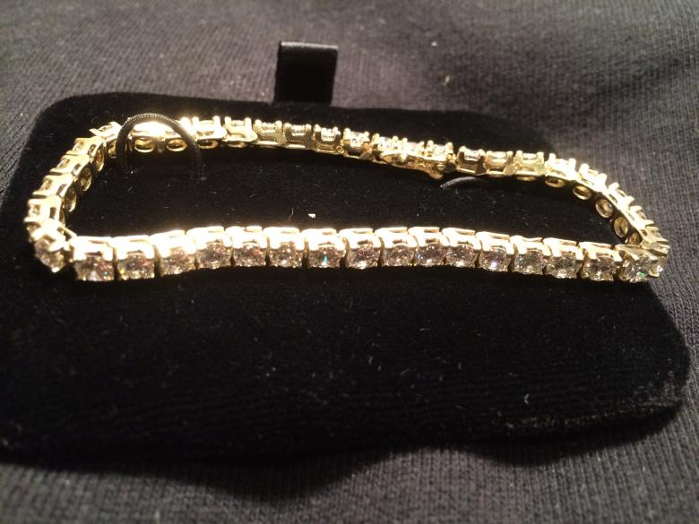 EXQUIST DIAMOND TENNIS BRACELET