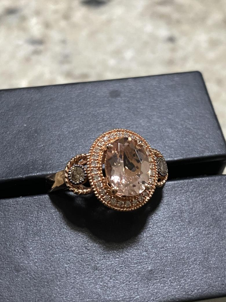 Morganite, chocolate diamond and