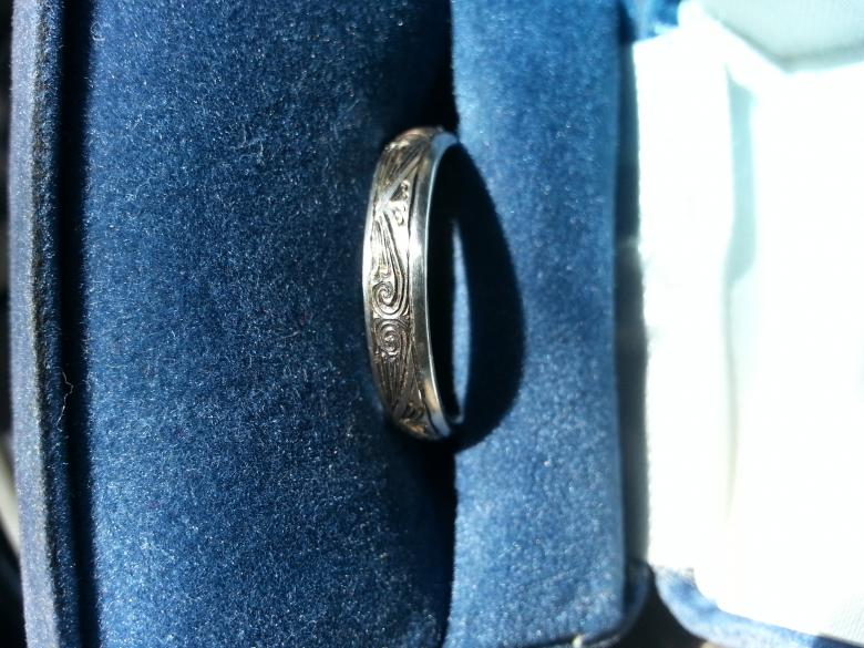 James Christian platinum size 8 waves and arches ring