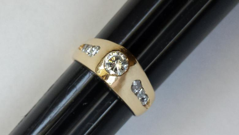 14K DIAMOND PINNACLE RING