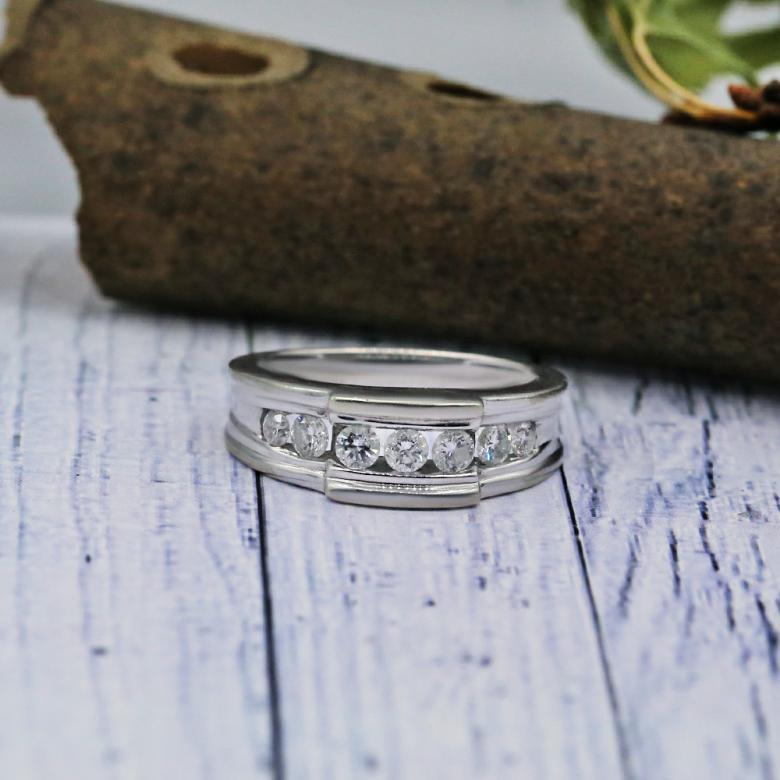 Stylish Mens Wedding band
