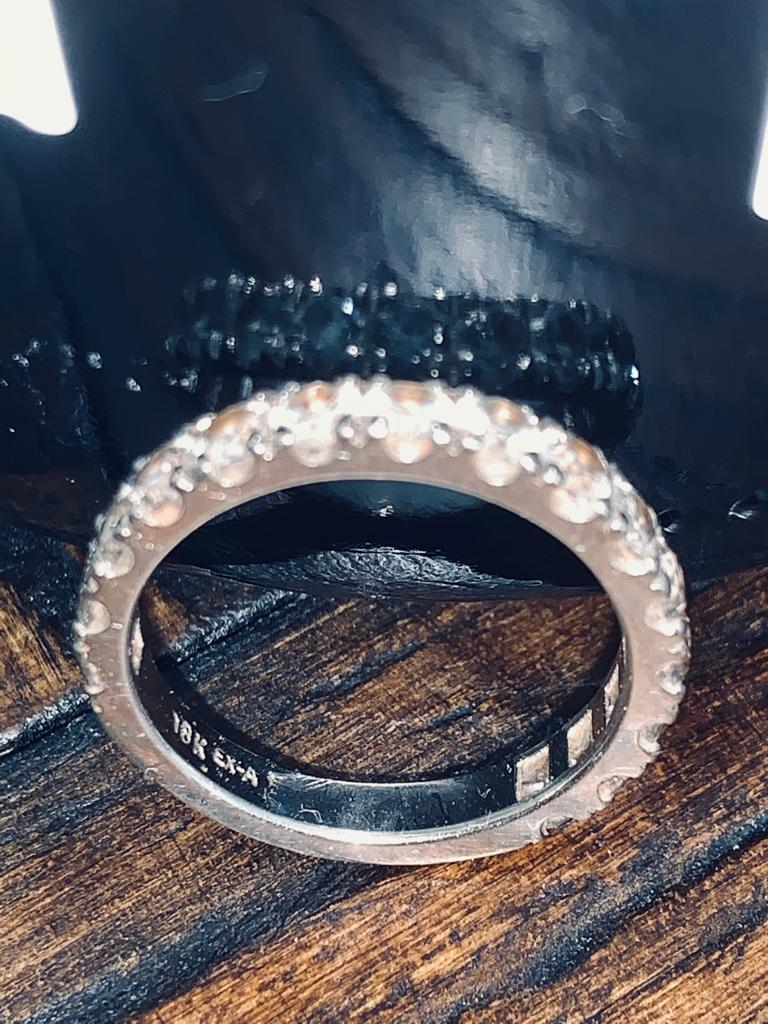 STUNNING ETERNITY WEDDING BAND