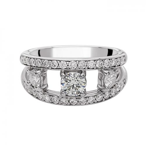Engagment platinum ring featuring