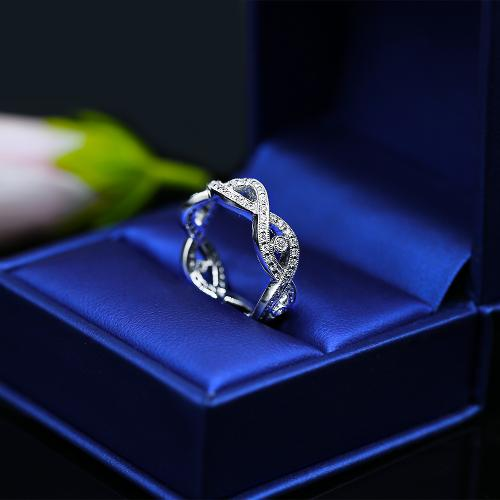 Fantastic Diamond Wedding band