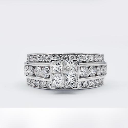 Engagement ring with 1.50ct
