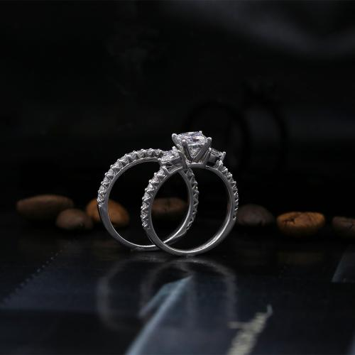 ENGAGEMENT BRIDAL SET WITH
