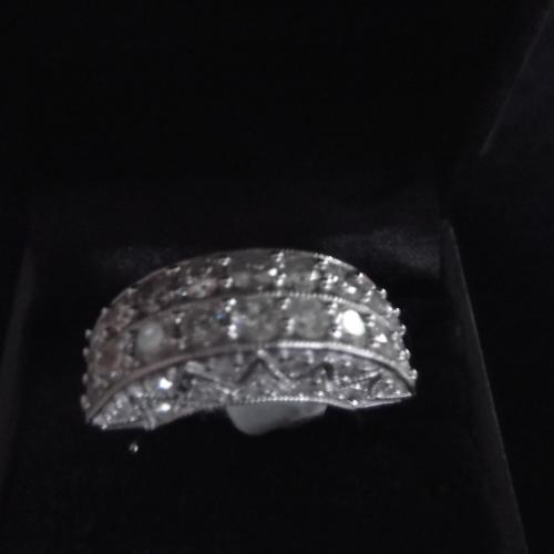 Exquisite 14KT Multi-Diamond Ring