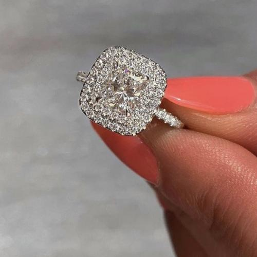 1.75 Carat of diamonds