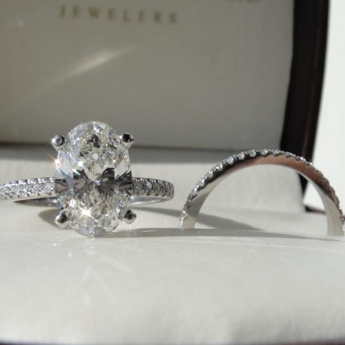 2.50 Oval diamond ring
