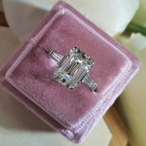 2.90 EMERALD CUT PLATINUM