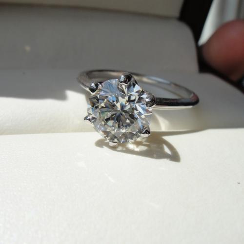AMAZING RING 1.50ct I/vs1Center