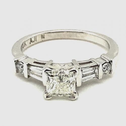GIA Certified 0.90ct Princess