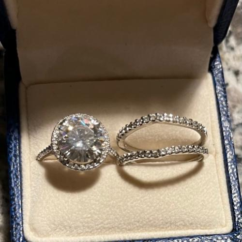 Petite Halo Diamond Engagement