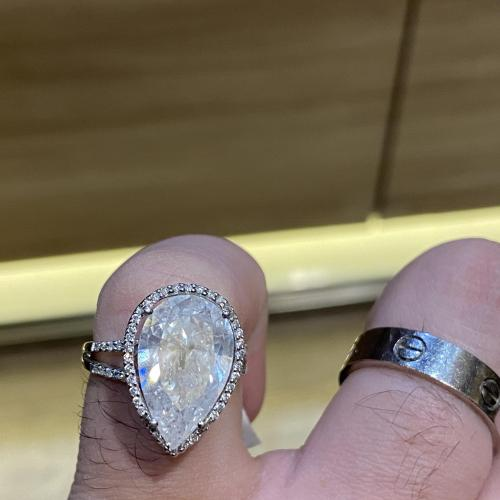 wow!! Pear Shape Diamond