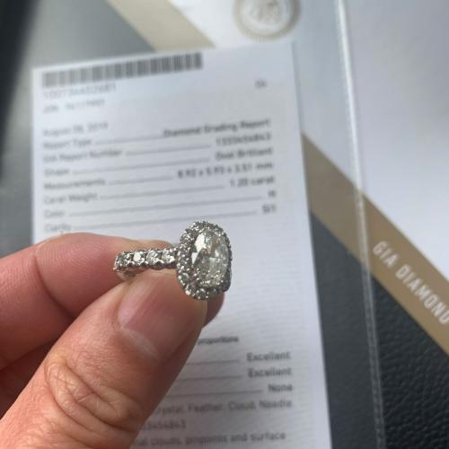 Oval Halo 1.2 ct