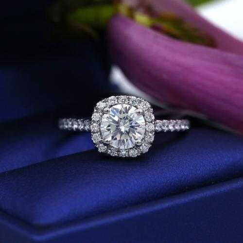Video! White Gold Engagement