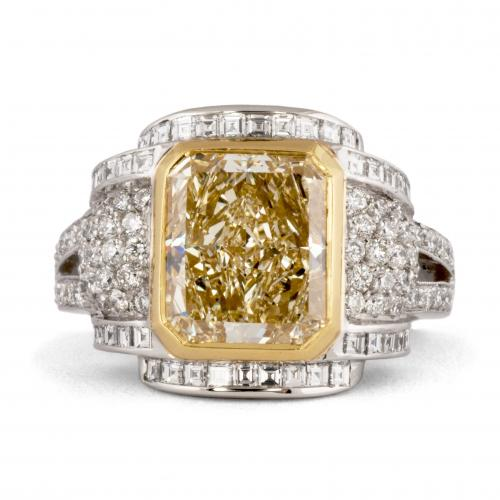 Fancy Yellow Diamond Statement