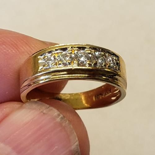 14 kt Yellow Gold