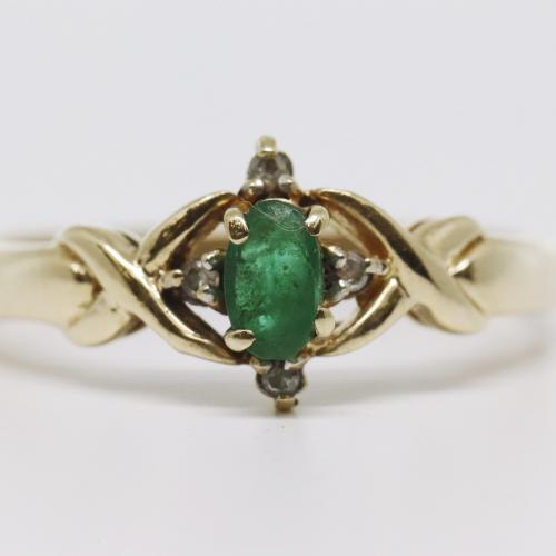 Oval Emerald & Diamond