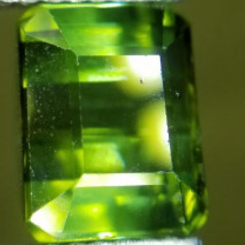 2.50ct Natural VS GREEN
